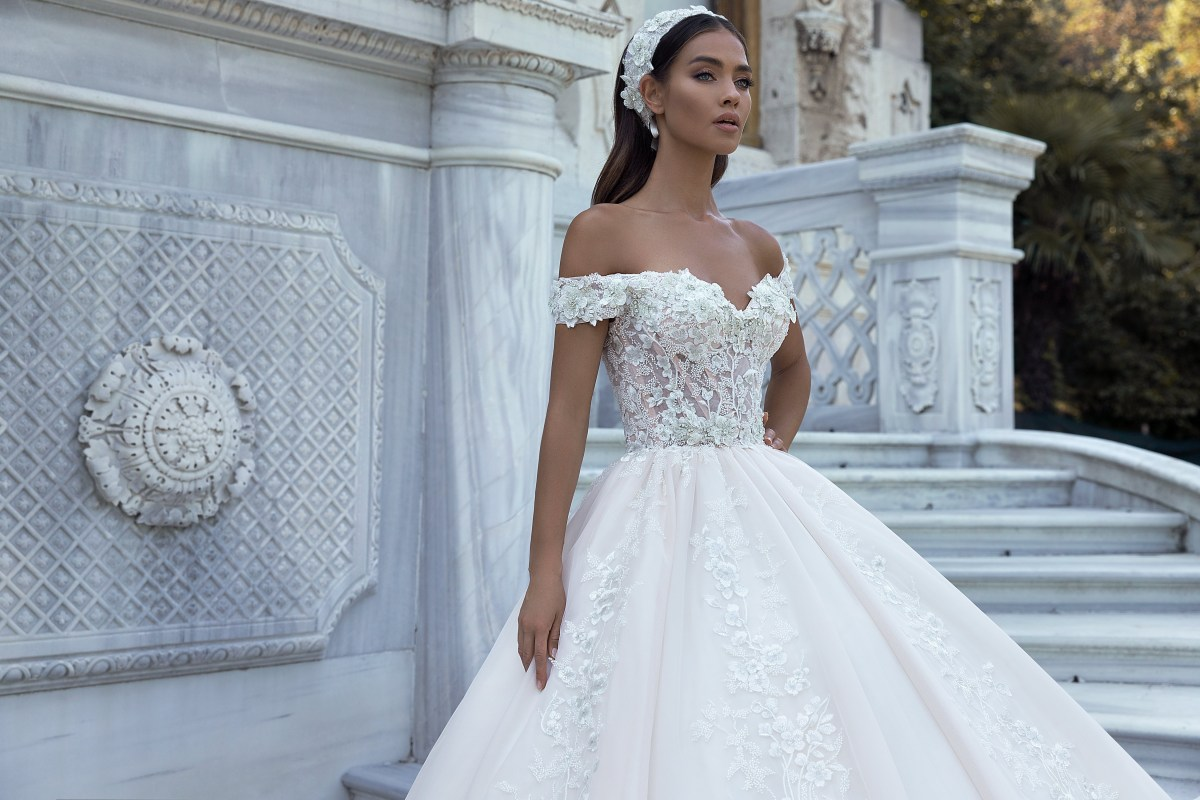 Chic and grace wedding dresses